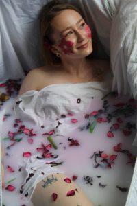 - La Douceur de Cléopatre - le bain de lait - Votre photographe - Les Délices d'un Regard - Sébatien ISACH -